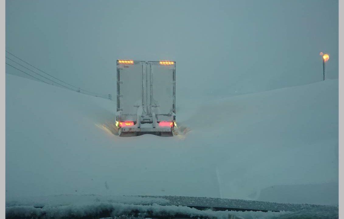 大雪 関越自動車道